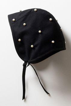Lieschen Mueller Black bonnet