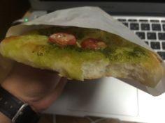M'sさんのバジルとトマトのパン、これも美味しかった