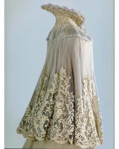 Cape, ca. 1901. Worn by Empress Alexandra Feodorovna of Russia.  Hermitage Museum  Source
