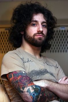Joe Trohman His eyes are such a beautiful blue ;)