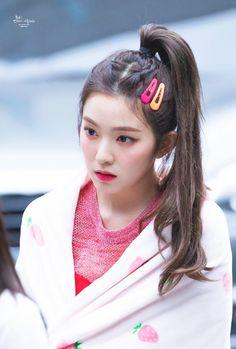 Red Velvet Irene, Kpop, Fashion, Moda, Fasion, Trendy Fashion, La Mode