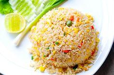 Συνήθως το ρύζι είναι έτοιμο πριν μαγειρευτούν και τα υπόλοιπα γεύματα!! Επιλέγετε να το αφήσετε να περιμένει στην κατσαρόλα, όμως καταλ...