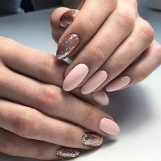 Semi-permanent varnish, false nails, patches: which manicure to choose? - My Nails Perfect Nails, Gorgeous Nails, Nude Nails, Acrylic Nails, Black Nails, Party Nail Design, Party Nails, Manicure E Pedicure, Manicure Ideas