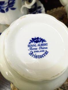 Backstamp Rose Patterns, Ceramic Manufacturer, Pottery Marks, Pottery Wheel, Royal Albert, Pie Dish, Vintage Ceramic, Makers Mark, Bridesmaid