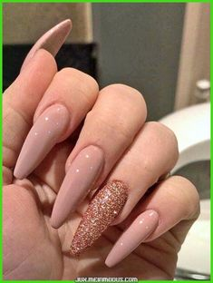 47 Beautiful rose gold nail design summer for pretty brides 25 spectacular nail art designs you'll need in your life – Looking for the best nude nail designs? Here is my list of the best bare nails for you …, … 52 nail colors … Pink Nails, Gel Nails, Coffin Nails, Rose Gold Glitter Nails, Nail Nail, Top Nail, Nail Polish, Pink Coffin, Simple Fall Nails
