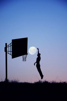 basketball with the moon