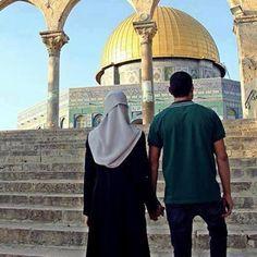 و اعلم انه في القدس مَن في القدس لكن لا أرى في القدس إلا أنت <3 #فلسطين #القدس #تميم_البرغوثي