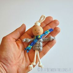 Break out those macrame skills and make these cute giftable crafts with your grandkid.