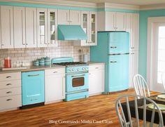 Modernas e Vintage!     Na decoração moderna o colorido está em evidência! Seja em alguns detalhes ou com total extravagância, o importa...