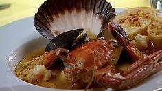 BOUILLABAISSE AVEC ROUILLE ET DE CROÛTONS  Ça va chauffer Australie et a été cuisinée par Megan et Andy.