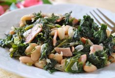 Sautéed Kale and White Beans For decades, Italian country cooks have simmered greens and buttery white beans together. A quick version from cookbook author Holly Clegg starts with Canadian bacon browned in a pan. Next, sauté an onion in olive oil. Add chopped kale, a can of white beans, chicken broth, and stir until the greens are tender. Canadian bacon adds meaty flavor with less fat than regular bacon.