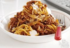 Whip up a huge batch of bolognese that's fit to feed a hungry crowd, or freeze half for a speedy midweek meal, from BBC Good Food magazine. Slow Cooker Bolognese, Bolognese Recipe, Curry 3, Slow Cooker Recipes, Cooking Recipes, Crockpot Recipes, Easy Recipes, Weekly Recipes, Dinner Recipes