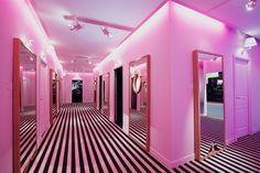 Pink www.logos.info
