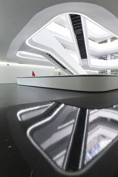 Photographer Laurian Ghinitoiu has shared with us this sneak peek of Zaha Hadid Architects' latest completed work, the Dominion Tower in Moscow. Zaha Hadid Architektur, Arquitectos Zaha Hadid, Zaha Hadid Design, Minimal Architecture, Space Architecture, Lobby Interior, Interior Design, Famous Architects, Tower