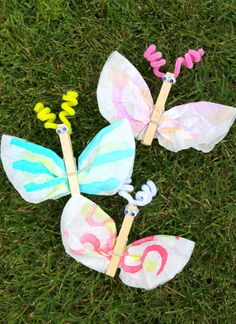 Fun activity for kids: Coffee filter clothes pin butterfly.