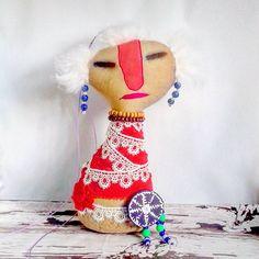 Серия шаманы. Кукла с рисом. На стол или стену. На защиту дома.  Свободен❤ #грунтованныйтекстиль и 100% окрашенные вручную ткани. #dolls #primitive #doll #подарок #хендмейд #handmade #home #интерьер  #авторскаяработа #москва #питер #Иркутск #Байкал#лето2016#живи_на_байкале  Ставлю тег для просмотра #мегаслонпримитивнаяколлекция Все мои куклы тут #куклымегаслон и #автоброшьмегаслон  #примитивнаяигрушка #автоброшь #бабаяга #ангелдома #тотем #baikal #чердачнаякукла