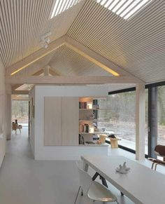Oisterwijk The Netherlands, 2010 Interior design Modest in its appearance towards the outside, this lengthy residence has a beautiful outlook on the woodlands of the natural reserve that it stands within. The shape of the house is deceptively simple, as Modern Barn, Modern Cabins, Design Case, Loft Design, Interior Architecture, Sustainable Architecture, Contemporary Architecture, Contemporary Houses, Modern Design