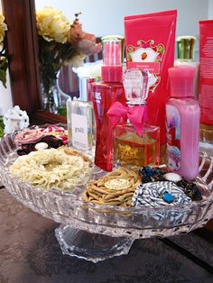 cake stand for beauty products!