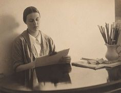Nora Heysen, by Harold Cazneaux :: The Collection :: Art Gallery NSW Australian Fashion, Australian Artists, Canadian Painters, Magic Realism, Harlem Renaissance, Weird Art, Abstract Photography, Figure Painting, Artist At Work
