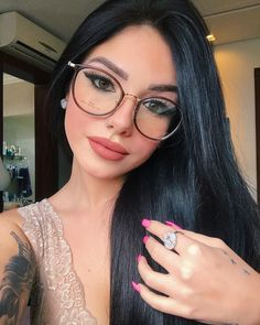30 Best Short Hairstyles & Haircuts 2019 - Bobs, Pixie Cuts, Ombre, Balayage - My list of women's hairstyles Fake Glasses, Girls With Glasses, Makeup For Glasses, Glasses Frames, Glasses For Round Faces, Cute Sunglasses, Sunglasses Women, Lunette Style, Fashion Eye Glasses