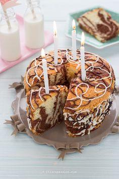 ciambella- marmorizzata-chiffon-cake-bicolore-ricetta-torta-compleanno-candele