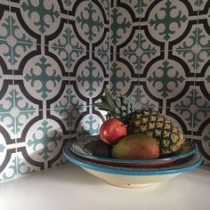 Happy #backsplash as found via @hellebb  / #tiletuesday #tiles #morrocantiles #backsplashideas #pattern #color #tile #tiling #tilework #splashback #kitchen #kitchendesign #interior #interiors #interiordesign #interiordesigner #idcdesigners #homedecor #homedesign #walltiles #interiorinspiration #instahome #instadecor #homedesign #tiler #tileaddiction #tiled #ihavethisthingwithtiles #tiler by tiletuesday