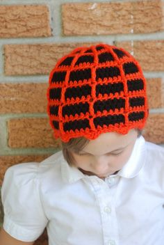 Spider web beanie - free tutorial.  Can be made in red and blue or black for Spiderman