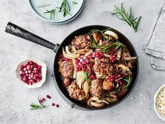 AURA lihapulla-sienipannu | Valio Iron Pan, Bolognese, Meat, Kitchen, Food, Lasagna, Cooking, Kitchens, Essen