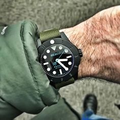 Because I cant let @redteamsblog have all the fun posting wrist shots. #resco #patriot #womw #watches