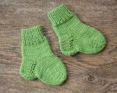 Knitting baby socks winter Ideas for 2019 Sweater Knitting Patterns, Knitting Socks, Baby Knitting, Knitted Baby, Kids Socks, Baby Socks, Toddler Sweater, Summer Knitting, Baby Boy Shoes