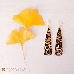orecchini pendenti a triangolo, orecchini dipinti in stile giapponese, orecchini di carta nero e oro, pendenti lunghi leggeri stile Kashira