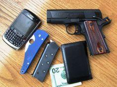 #интересное  Оружие самообороны (40 фото)   Что носят в сумочке обычные люди (не в России) для самообороны.       далее по ссылке http://playserver.net/?p=144617