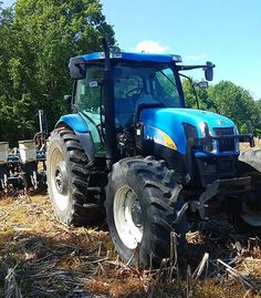 NEW HOLLAND T6070 FWD New Holland Ford, New Holland Tractor, Agriculture, Farming, Ford Tractors, Ford News, Techno, Sims, Ranch