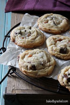 Chewy homemade cookies, loaded with caramel bits, chocolate chunks and topped off with a sprinkling of flaked sea salt. Cookie Desserts, Just Desserts, Delicious Desserts, Dessert Recipes, Yummy Food, Best Cookie Recipes, Baking Recipes, Sweet Recipes, Homemade Cookies
