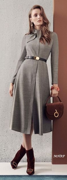 Fashion show ideas inspiration vogue 26 ideas Fashion 2018, Work Fashion, Womens Fashion, Fashion Trends, Classy Outfits, Beautiful Outfits, Fall Outfits, Women's Dresses, Fashion Dresses