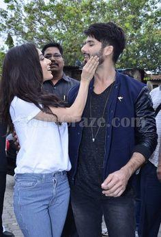 Shahid Kapoor And Shraddha Kapoor Promote Haider At Umang College Festival | StarsCraze