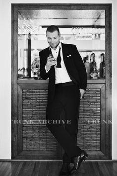 Eye candy in a suit Pretty Men, Gorgeous Men, Beautiful People, Celebrity Crush, Celebrity Photos, Actor Jai, Calisthenics Program, Jai Courtney, Weak In The Knees