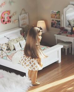 Sorry I haven't been active all day. I'm still not feeling great🤒🤕 Ropa American Girl, American Girl House, American Girl Doll Shoes, American Girl Doll Pictures, American Girl Crafts, American Girl Clothes, Girl Doll Clothes, Girl Dolls, Ag Dolls
