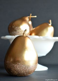 These gilded and glittered pears would make the perfect centerpiece for your holiday meal! Learn how with Martha Stewart Crafts Liquid Gilding, Glitter, and Decoupage with A Night Owl Blog's creative tutorial #marthastewartcrafts #12monthsofmartha