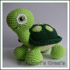 Amigurumi turtle-if I could crochet I'd crochet this lil guy :) Cute Crochet, Crochet Crafts, Crochet Dolls, Yarn Crafts, Crochet Projects, Knit Crochet, Amigurumi Doll, Amigurumi Patterns, Knitting Patterns