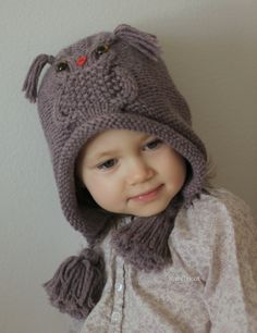 Ravelry: Owl ways Hat pattern by Ekaterina BlanchardYou automatically receive a discount if you purchase 2 or more patterns from my Ravelry Shop at the same time (i. in ONE transaction, place them all in your cart before you check out). Knitting For Kids, Knitting Projects, Knitting Patterns, Pull Bebe, Knit Crochet, Crochet Hats, Cable Knitting, Owl Hat, Knit In The Round