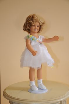 """Shirley Temple from Danbury mint - """"Baby Take a Bow"""""""