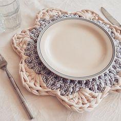 956 Likes, 17 Comments - Vanessa Eduardo ( on Crochet Kitchen, Crochet Home, Crochet Gifts, Crochet Yarn, Crochet Motifs, Crochet Doilies, Crochet Flowers, Crochet Patterns, Crochet Symbols