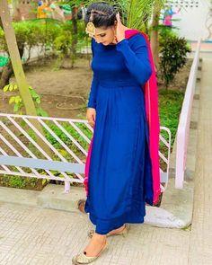 Dress Indian Style, Indian Fashion Dresses, Indian Designer Outfits, Designer Dresses, Designer Wear, Ladies Suit Design, Simple Indian Suits, Punjabi Suits Designer Boutique, Boutique Suits