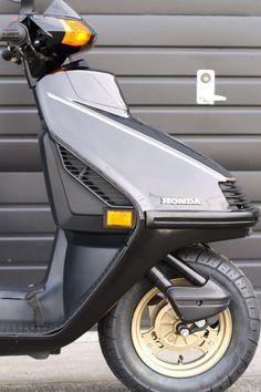No Reserve 1987 Honda Elite 250 Honda Brake Shoes Bike