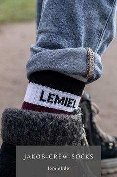 Nicht nur für #Sport 🏀 #Socks #Design #Umwelt #plus1baum #fashion #mensfashion Sport Socks, Overall, Winter Hats, Sporty, Pairs, Unisex, Retro, Cotton, Stuff To Buy