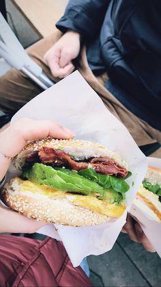 🥓🥑🍳   #bagel #bagelrecipe #vienna #viennaaustria #foodinspiration  #breakfast #breakfastideas #bagelbites #breakfastbars Bagel Bites, Bagel Recipe, Breakfast Bars, Vienna Austria, Omelette, Budapest, Food Inspiration, Avocado, Kitchens