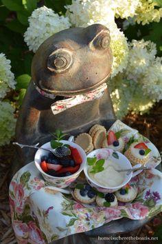 Frog Footman serving mini tarts for Mad Tea Party! | homeiswheretheboatis.net #aliceinwonderland #pottingshed