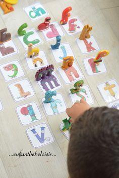 Méthode des Alphas - découverte voyelles / consonnes #1 Alphabet Alpha, Autism Education, Drawing Conclusions, Practical Gifts, Unusual Gifts, Kids And Parenting, Literacy, Social Stories, Homeschool