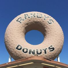 Finally crossing this joint off my list. The maple long john was so good!  #donuts #inglewood